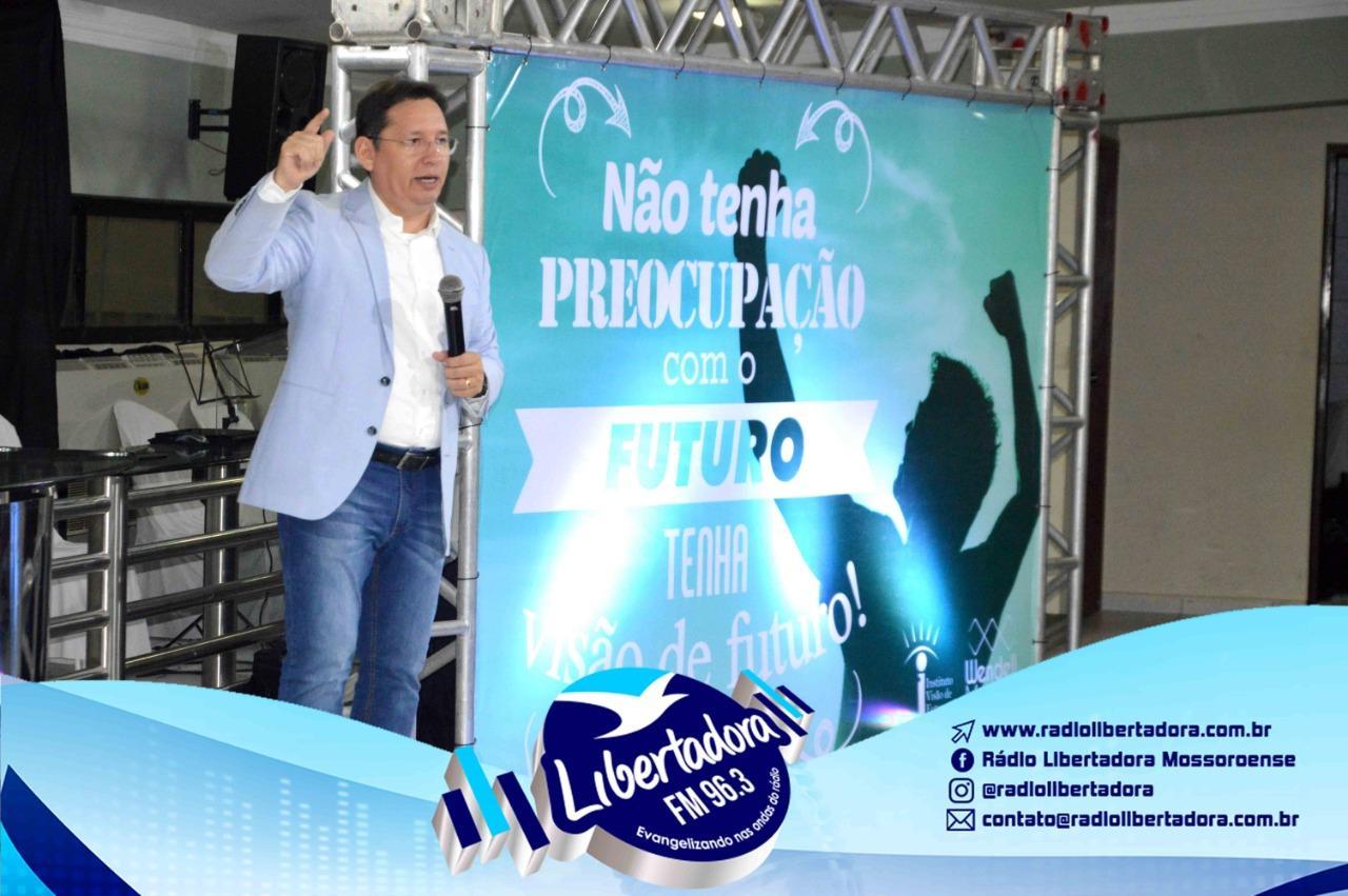 Rádio Libertadora Promove Palestra Motivacional Visão De Futuro